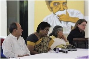 India MPs review artists' messages about tuberculosis