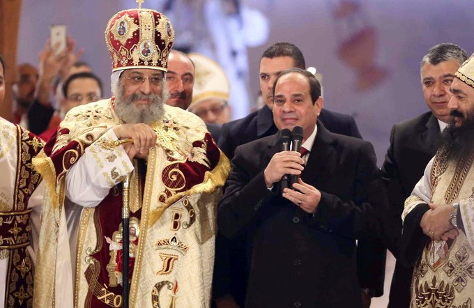 Al-Sisi speaks with Egyptian pope