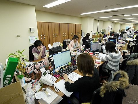 the workplace beckons to stay at home moms